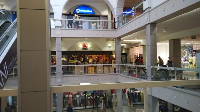 日本となんら変わりないショッピングモール