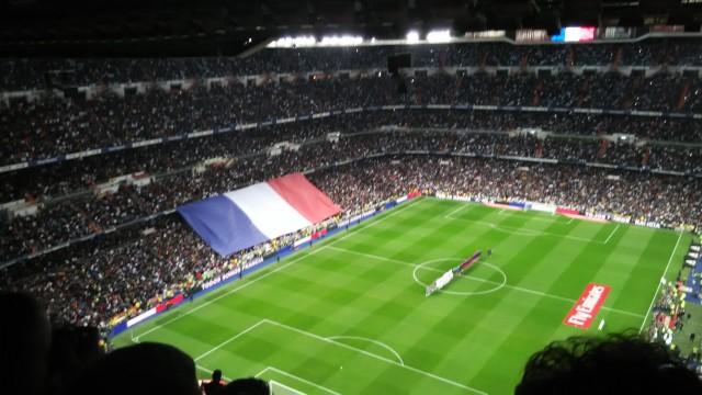 クラシコでもパリのテロに追悼の意を